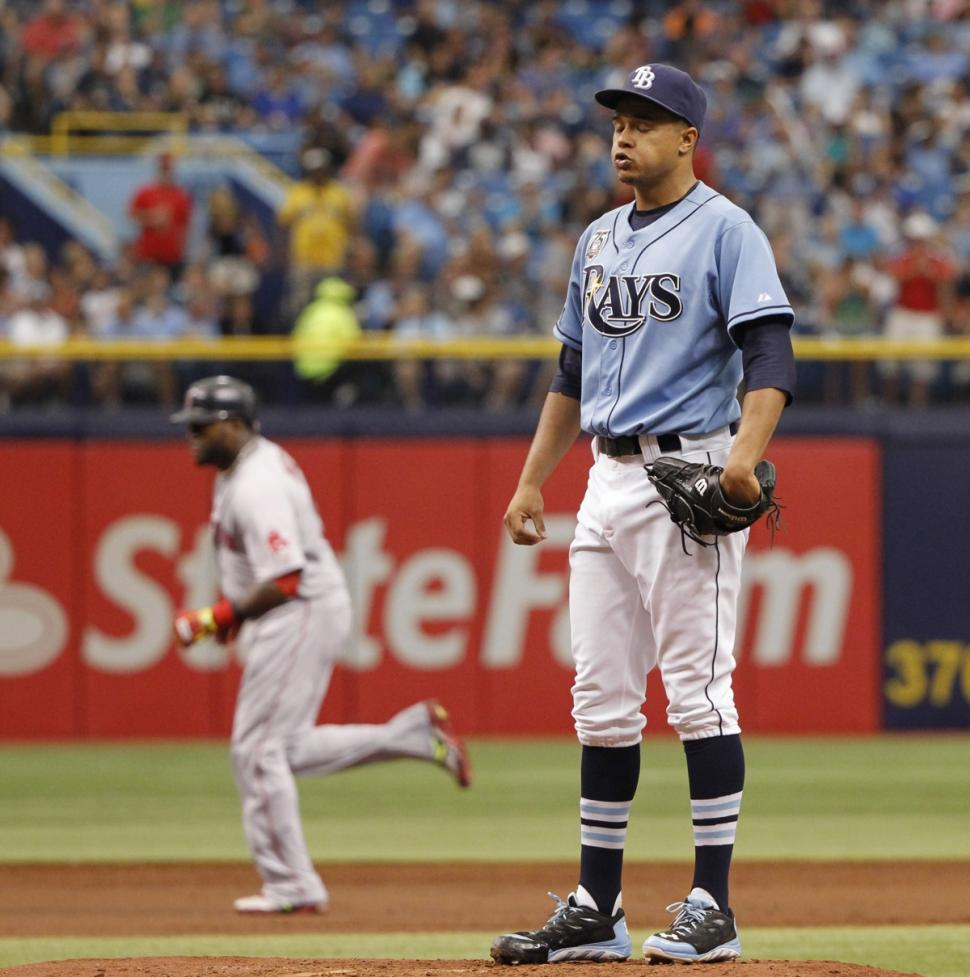 Chris Archer (r.) doesn't take kindly to David Ortiz's home run antics.